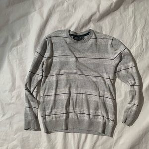 Retrofit Size M Gray Sweater Pullover Length 28""